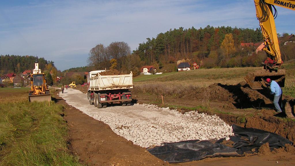 Bau des Radwegs läuft auf Hochtouren