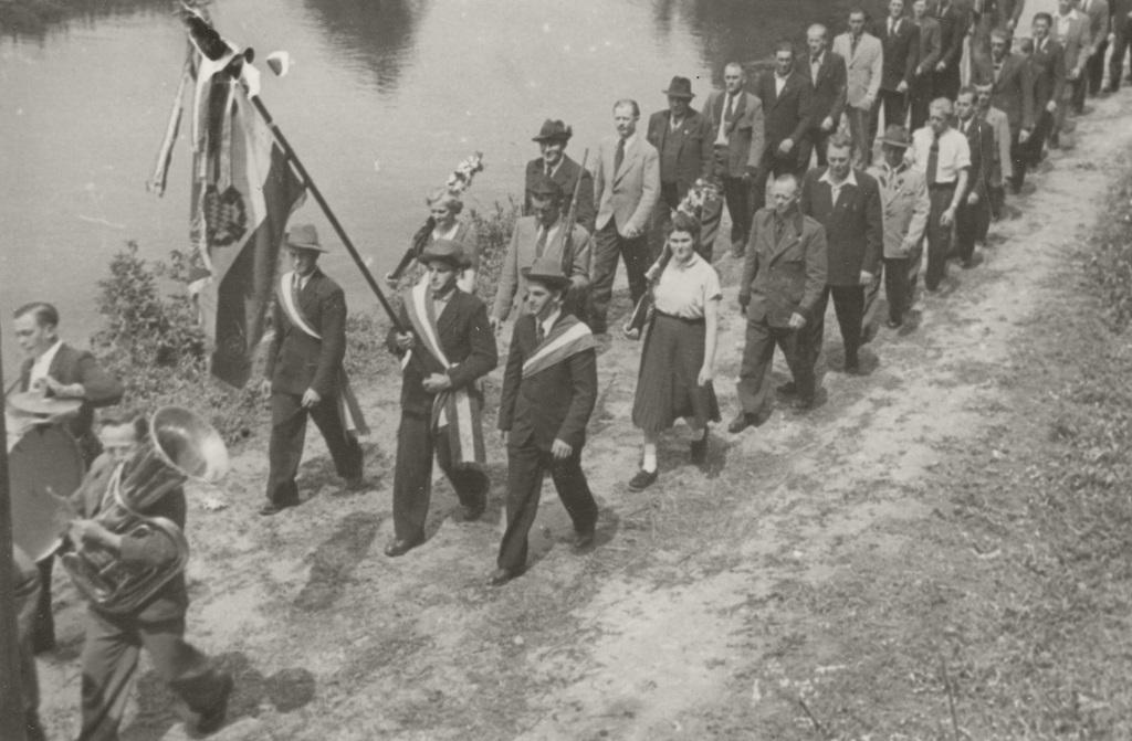 Historische Ansichten - Fronleichnamsprozession in Nankendorf um 1950