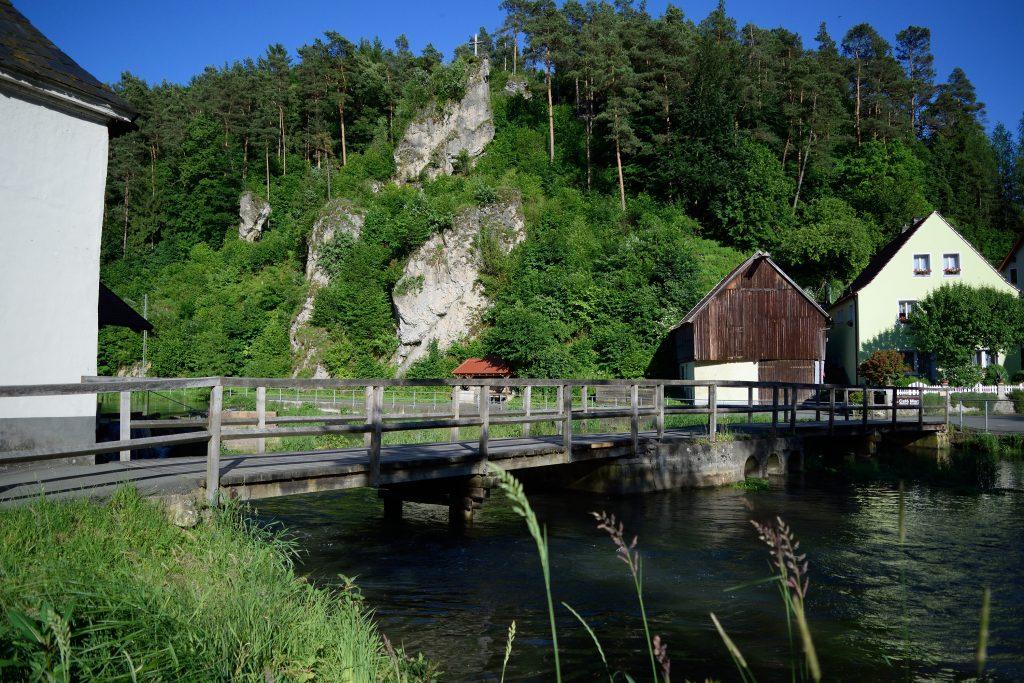 Die alte Holzbrücke an der Nankendorfer Mühle
